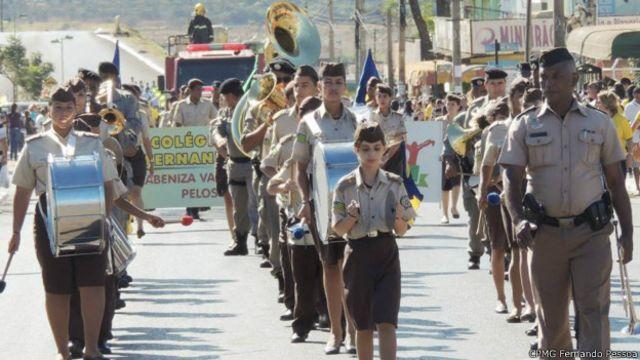 Goiás aposta em 'militarização' de escolas para vencer violência – BBC News Brasil