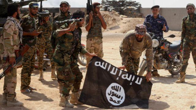 يقول مسؤولون عراقيون إن تنظيم الدولة الإسلامية يطرح تهديدا للمنطقة برمتها.