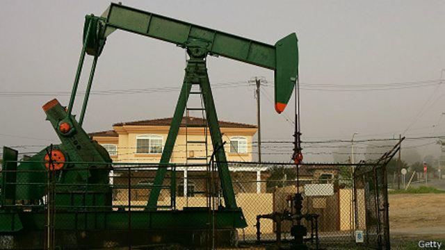 Pozo petrolífero en Los Ángeles