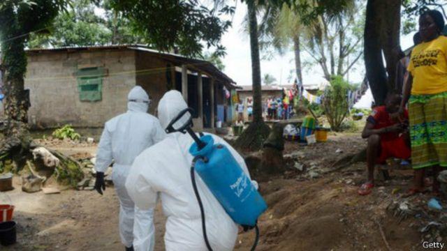 وصلت نسبة الوفيات خلال الانتشار الحالي لفيروس إيبولا إلى 55 في المئة من المصابين