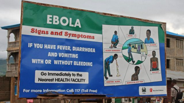 Cartel con información sobre prevención y detección de ébola en Sierra Leona