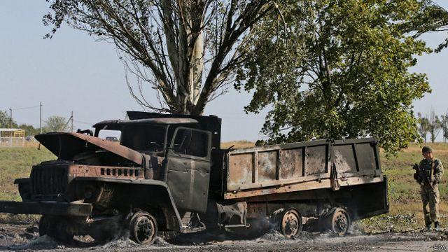 Разрушенный блокпост в Мариуполе