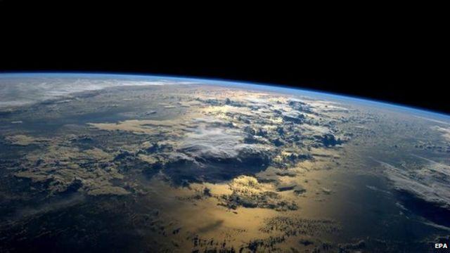 Panorama de la Tierra desde el espacio