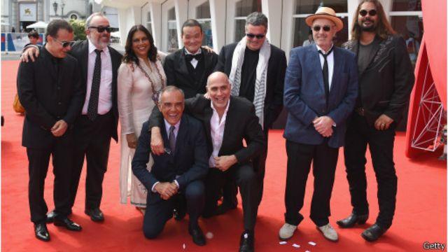 لم ينفع حشد تسعة مخرجين لهم منجزهم وسمعتهم الفنية الجيدة في إنقاذ الفيلم