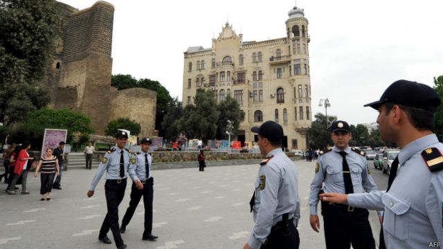 Баку полиция