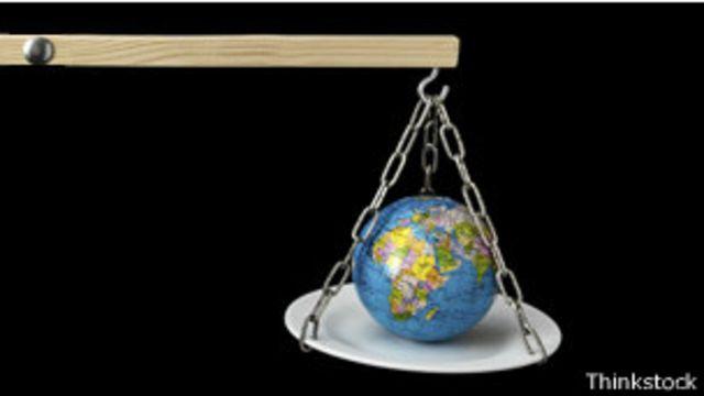 La Tierra en una balanza