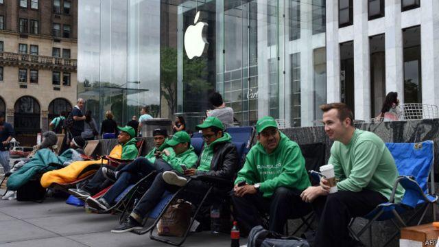 Filas para comprar iPhone 6