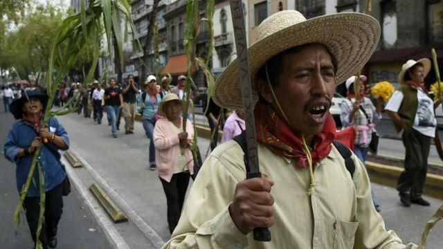 Campesinos de Atenco protestan por la construcción de un nuevo aeropuerto en Ciudad de México. Foto: AFP/Getty