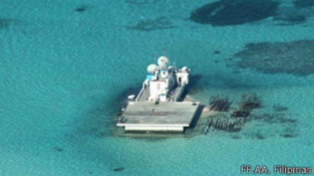 Las Fuerzas Armadas filipinas han fotografiado las islas artificiales.