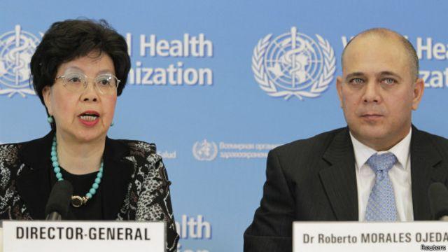 Margaret Chan (izq.) y Roberto Morales Ojeda