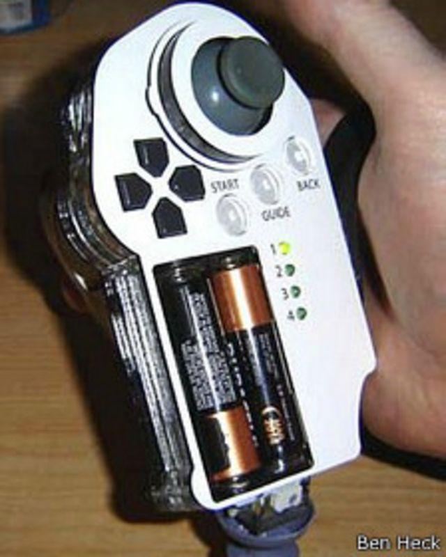 Mando de control especial para una sola mano, creado por Ben Heck