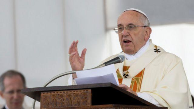El papa durante la ceremonia.