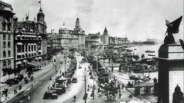 上海外灘(估計攝於1937年)