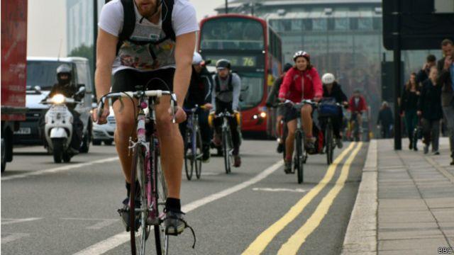 Ciclistas em Londres