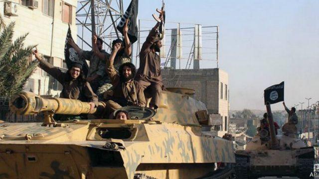 تمكن مسلحو تنظيم الدولة الإسلامية من الاستيلاء على كثير من الأسلحة.