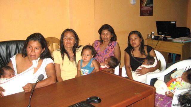 Viudas de los líderes asesinados en Perú