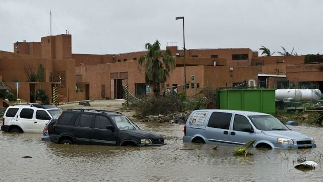 Además de árboles caídos y cortes de electricidad, Odile también provocó inundaciones. En la imagen, aspecto de una calle en la ciudad de San José del Cabo, Baja California Sur. Foto Getty Images.