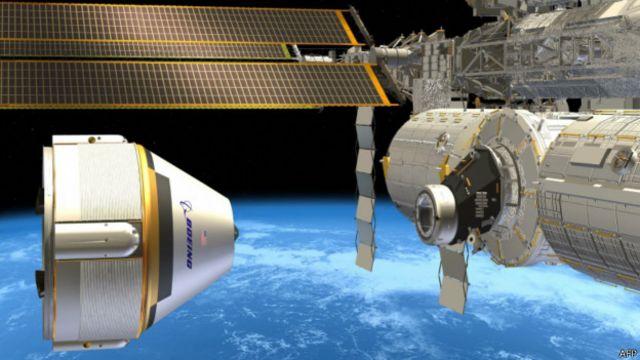 Ilustración de la nave CST-100 de Boeing junto a la Estación Espacial Internacional