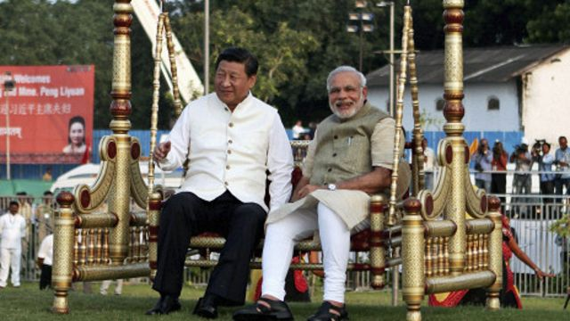 Xi Jinping ve Narendra Modi