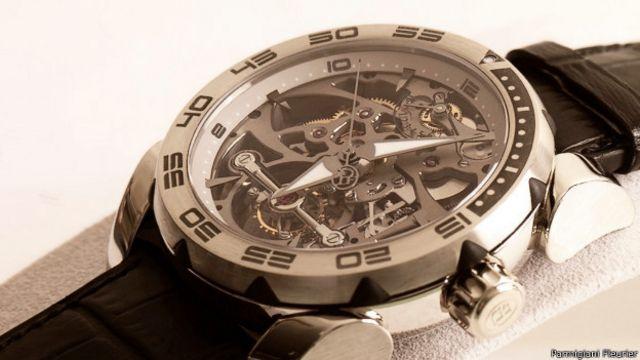 La valeur des montres est estimée à 27 000 dollars chacune.