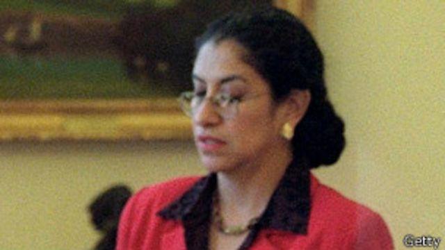 María Echaveste.