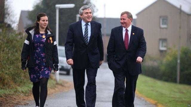 Cựu Thủ tướng và là nhà vận động cho chiến dịch Better Together (ủng hộ 'No'), ông Gordon Brown đi bỏ phiếu ở Trung tâm Cộng đồng North Queensferry ở Fife.