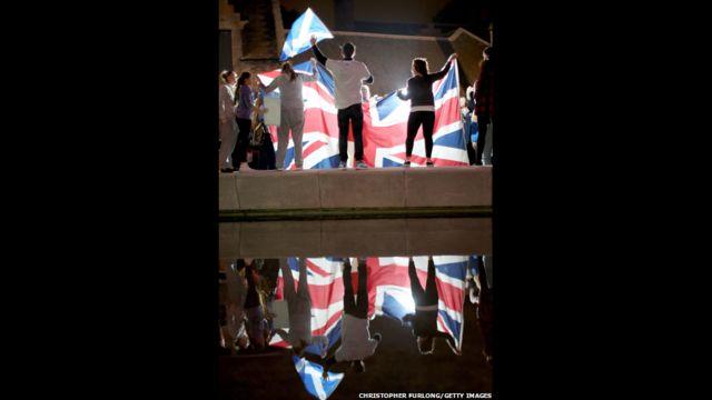 Với 26 trên tổng số 32 quận công bố kết quả, BBC lúc đó đoán rằng người dân Scotland đã bỏ phiếu chọn ở lại với Liên hiệp Anh.