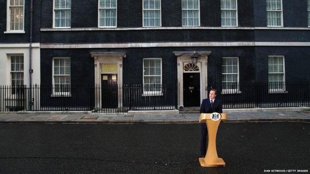 卡梅伦在唐宁街宣布,下一步除了会兑现对苏格兰下放更多自治权承诺外,也不会忘记英格兰、威尔士和北爱尔兰。