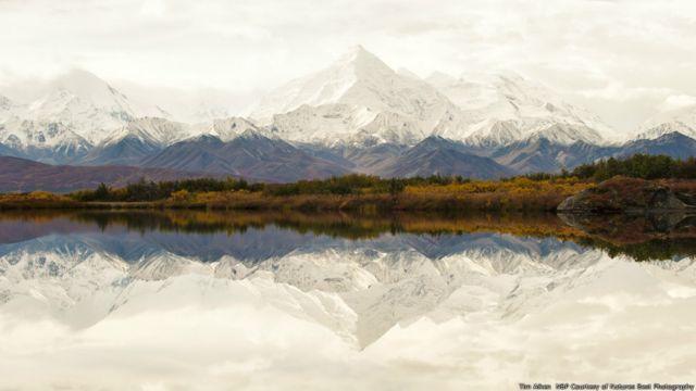 Los picos nevados en Alaska. Imagen de Tim Aiken, cortesía de Nature's Best Photography