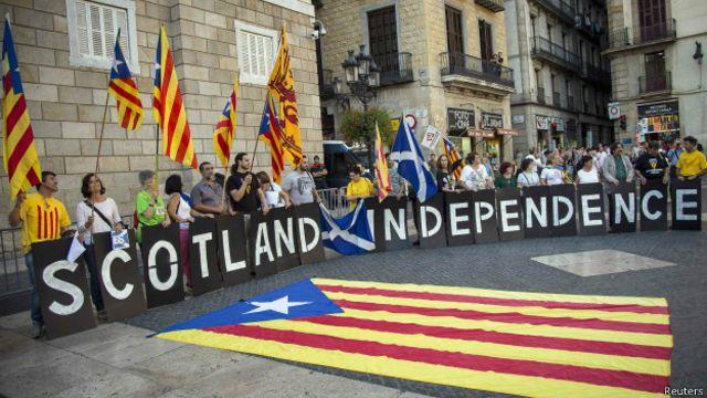 Parlamento catalão votou nesta sexta-feira lei que permitirá governo da região convocar plebiscito