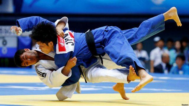O'zbekistonlik boshqa bir dzyudochi Sharofiddin Lutfullayev esa, 60 kg. vazn toifasida bronza medali uchun kurashini yaponiyalik raqibiga yutqazib qo'ydi.