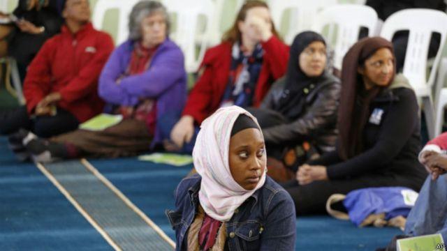 Mulheres na Mesquita Aberta, em Cidade do Cabo | Foto: AP