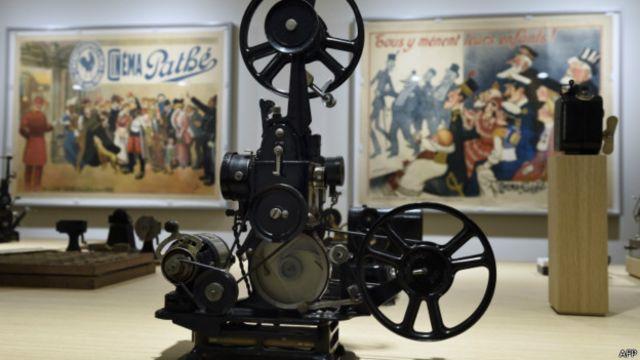 Acervo tem equipamentos - de projetores a câmeras antigas de cinema