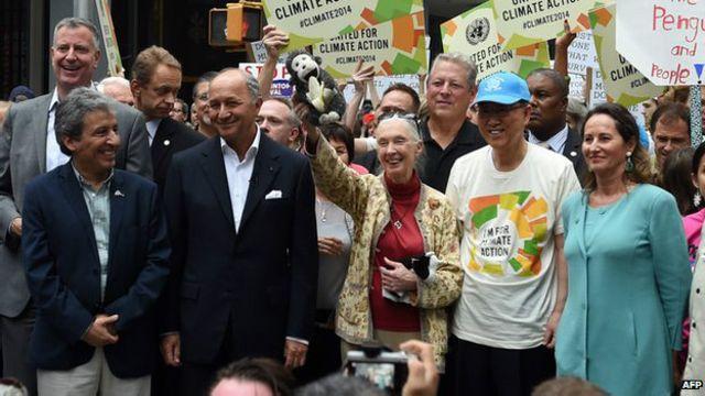 Sekjen PBB Ban Ki-moon juga mengikuti pawai yang digelar jelang pertemuan Perubahan Iklim PBB