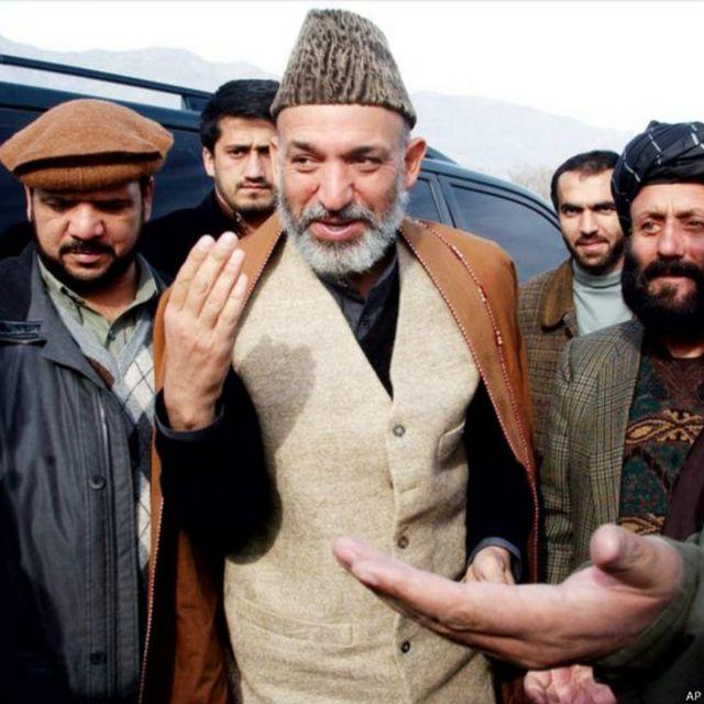 اجلاس بن برای افغانستان در پنجم دسامبر ۲۰۰۱ فیصله کرد که آقای کرزی حکومت را در افغانستان در دست گیرد. او در ارزگان بود که این خبر را دریافت کرد.