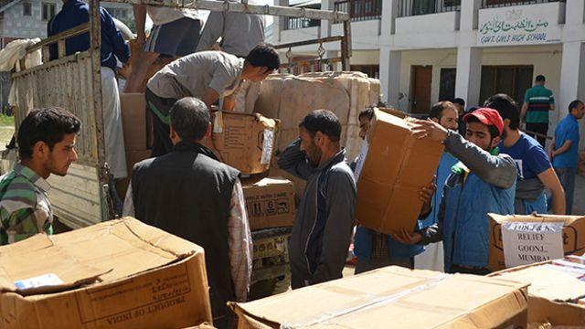 امدادی کام جاری ہے تاہم کشمیر کو سنبھلنے میں بہت وقت لگ جائے گا