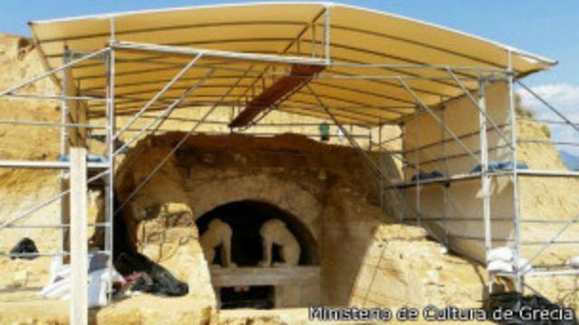 Entrada a la tumba de Anfípolis