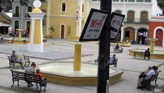 Wifi para todos en plaza El Venezolano