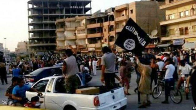 توجد في مدينة الرقة السورية معظم مقار تنظيم الدولة الإسلامية.