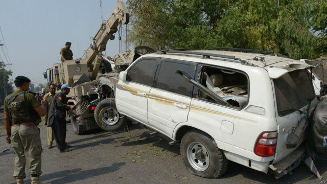 فرنٹیئر کور کے بریگیڈیئر خالد اس دھماکے میں بال بال بچ گئے لیکن ان کی گاڑی کو نقصان پہنچا۔
