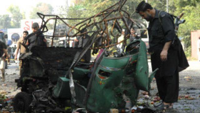 پشاور میں سکیورٹی فورسز کو نشانہ بنائے جانے کا سلسلہ جاری ہے