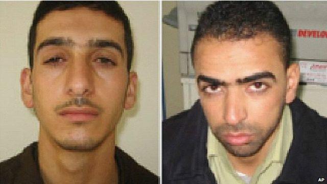 Fotos provistas por los servicios de seguridad de Israel de Marwan Qawasmeh (izq.) y Amer Abu Aisha (26 de junio de 2014)