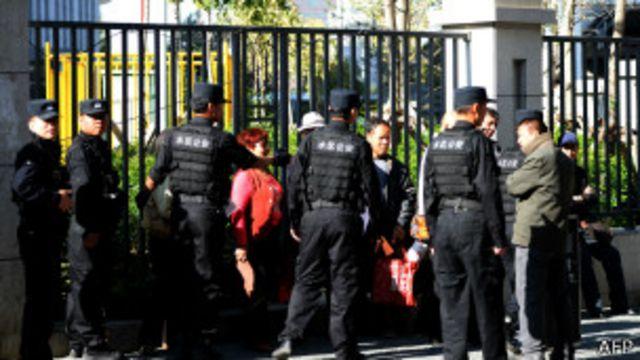 တရားရုံးကို နိုင်ငံခြား သံရုံးတွေ တက်ရောက်ခွင့် မရ