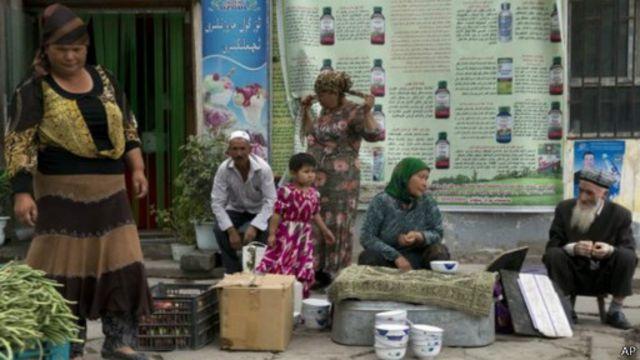 يمثل الإيغور نحو 45 في المئة من سكان إقليم شينجيانغ