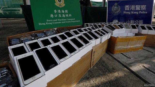 iPhone6还没有在大陆出售,许多人试图走私新款手机被海关截获