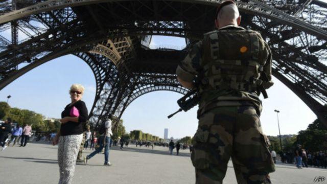 وزير الدفاع الفرنسي دعا إلى تعزيز العلاقات مع تركيا.