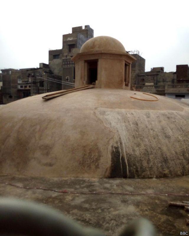 ترکی اور ایران میں اس قسم کے حمام عام پائے جاتے تھے۔ شاہی حمام کی چھت دیکھ کر ایسا محسوس ہوتا ہے کہ آپ ایران یا ترکی میں کہیں موجود ہیں۔