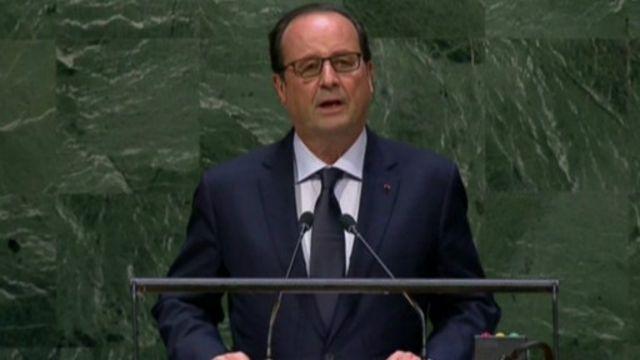 Tổng thống Hollande nói Pháp sẽ không bao giờ nhượng bộ khủng bố