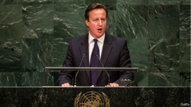 دعا كاميرون البرلمان  للإنعقاد يوم الجمعة للموافقة على مشاركة بريطانيا في الهجمات ضد التنظيم في العراق