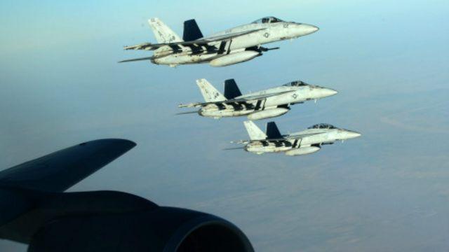 أسفرت الضربات الجوية عن مقتل خمسة مدنيين على الأقل، بحسب رويترز